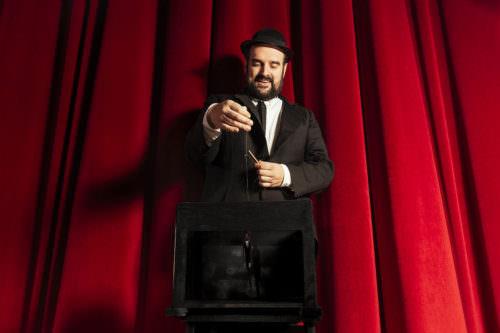 Gaetano Colella, ritratto con marionetta